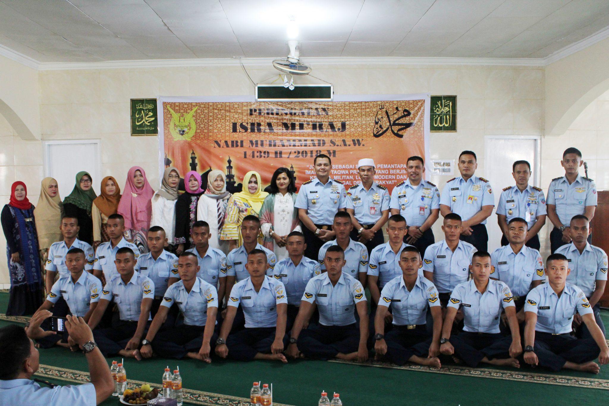 Personel Wingdiktekkal Peringati Isra' Mi'raj Nabi Muhammad SAW 1439 H/2018 M di Bandung