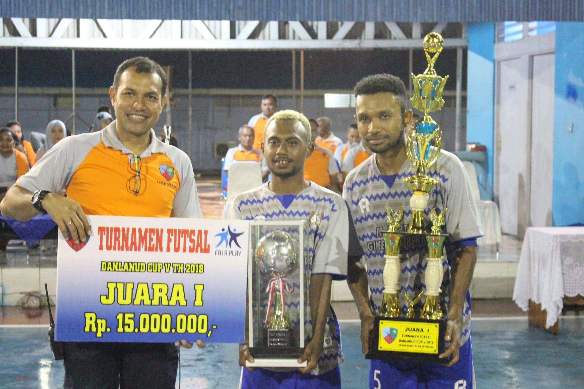Penutupan Turnamen Futsal Danlanud Cup V di Lanud Jayapura