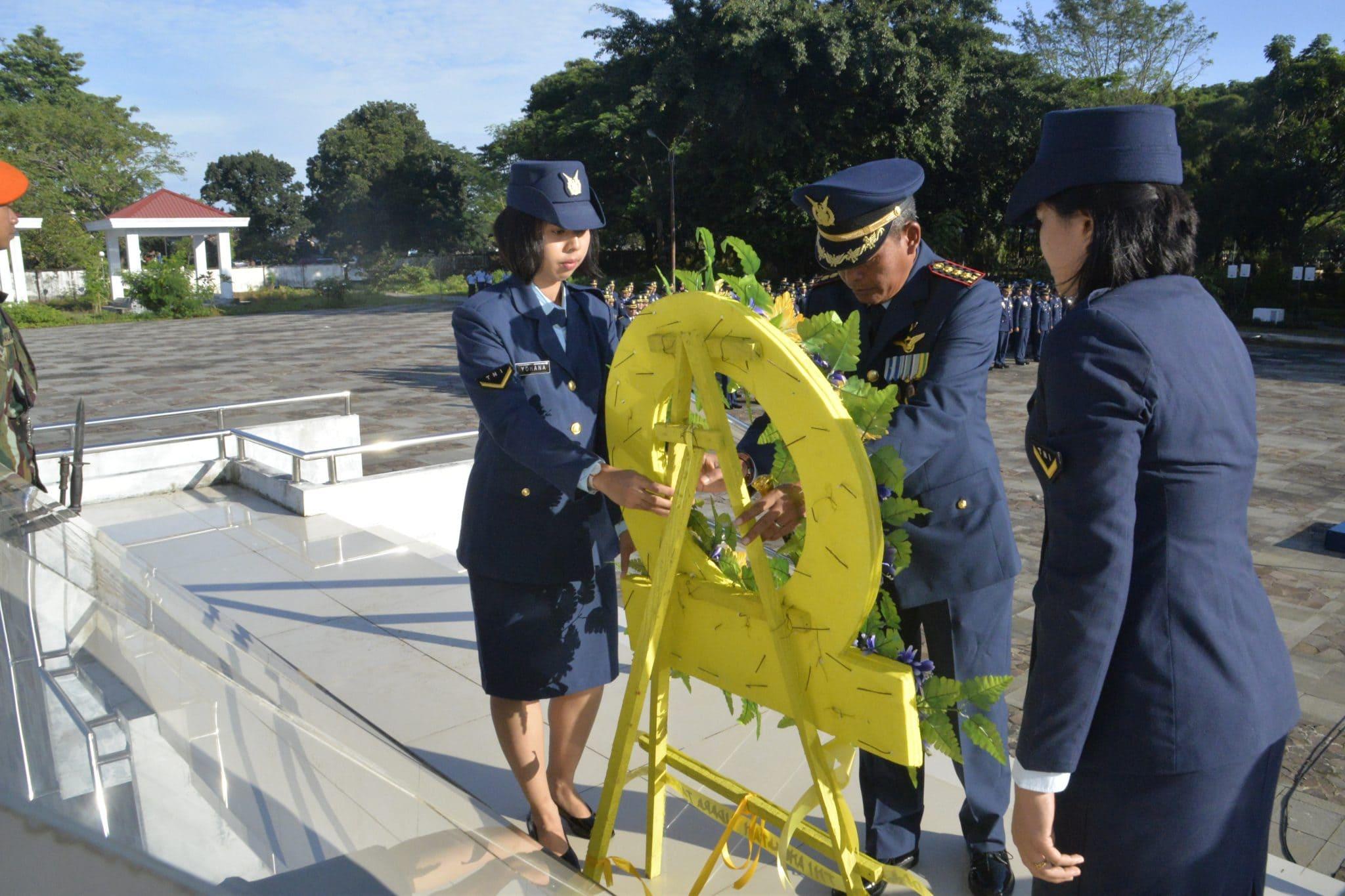 Ziarah Rombongan Prajurit TNI Angkatan Udara Se-Makassar di Taman Makam Pahlawan Panaikkang