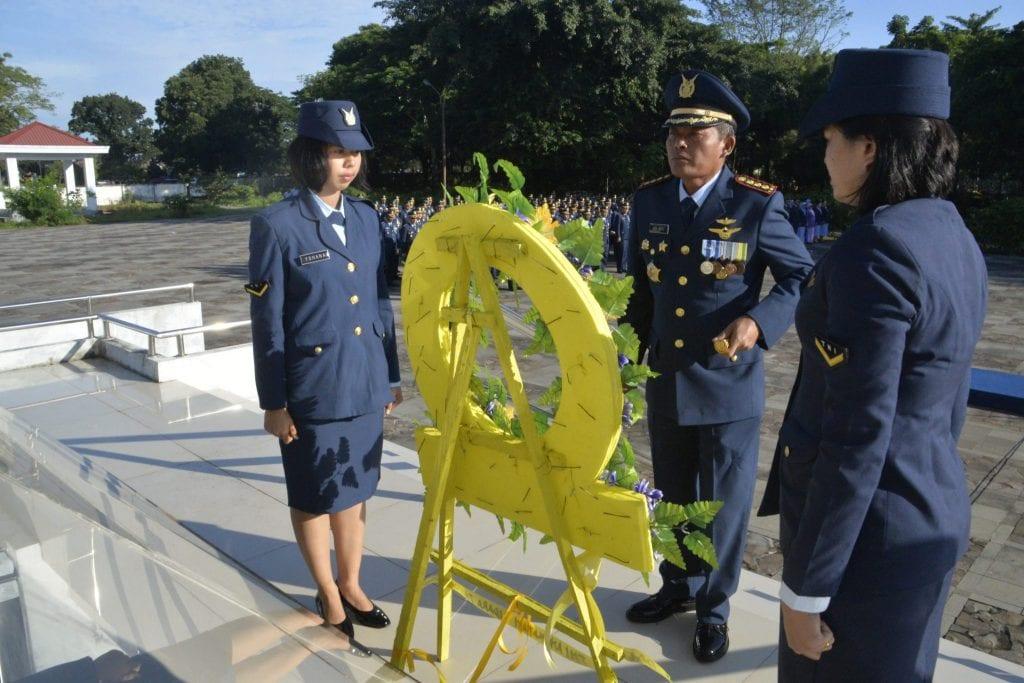 Pangkosekhanudnas II Pimpin Ziarah Rombongan di TMP Panaikang