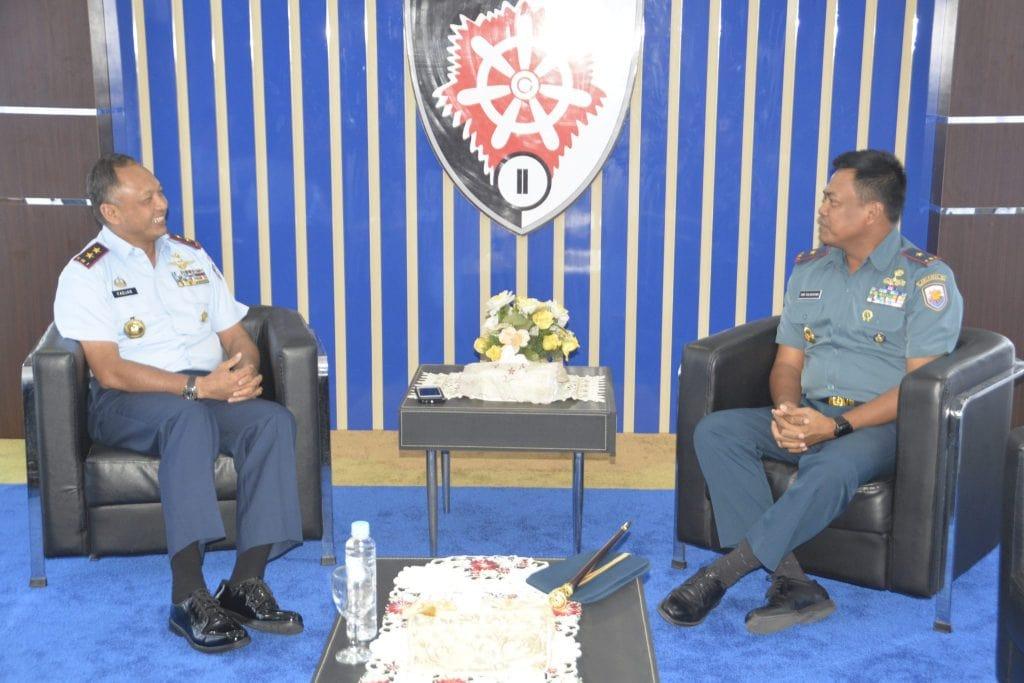Memperkuat Sinergitas Antara Koopsau II Dan Lantamal VI Makassar