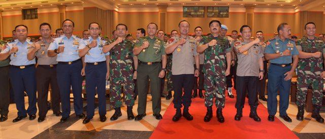 Pengarahan Panglima TNI dan Polri Kepada Prajurit TNI dan Polri Se-Jawa Barat