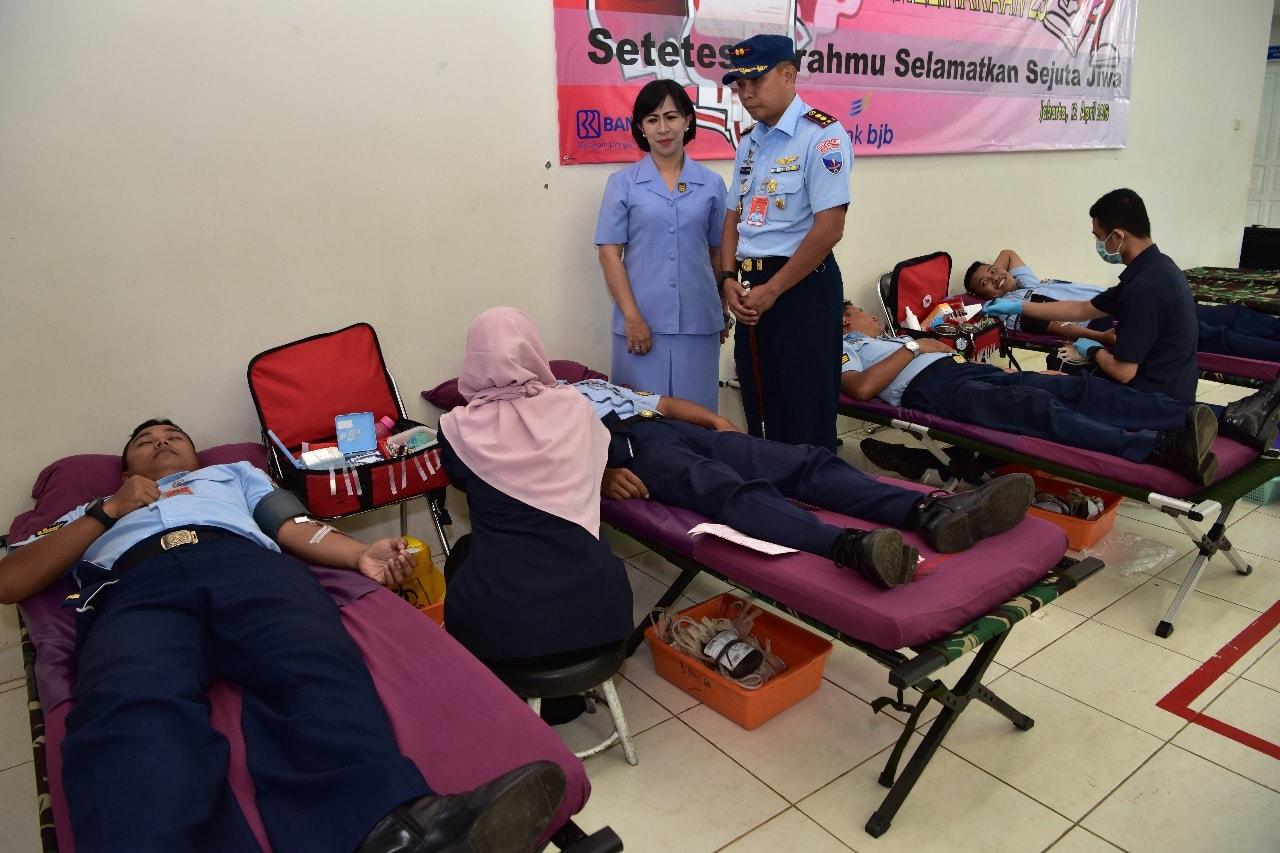 Peringati Hut TNI AU ke-72, Sathar 23 Gelar Donor