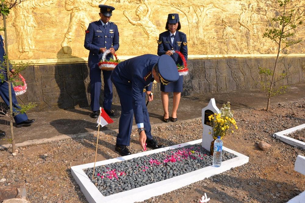 Peringati Hut Ke-72 TNI AU Lanud Iwy, Ziarah Didua Tempat