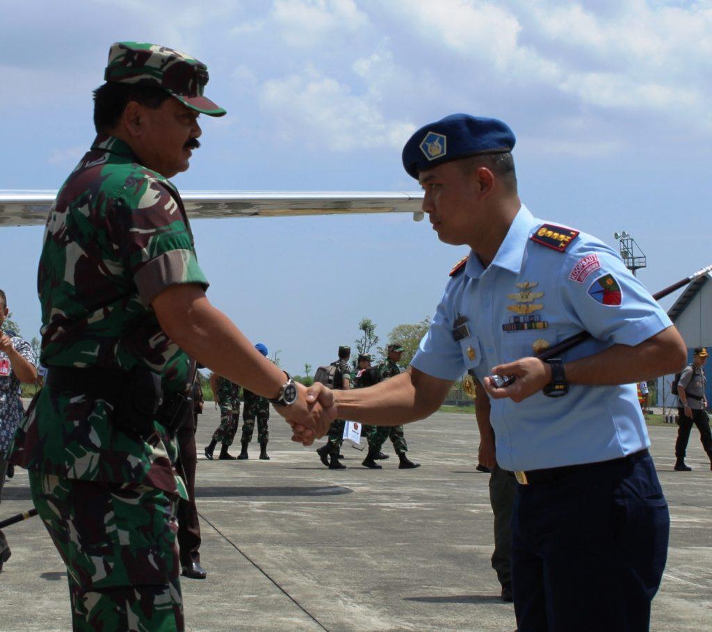 Danlanud Sim Sambut Kedatangan Panglima TNI dan Kapolri