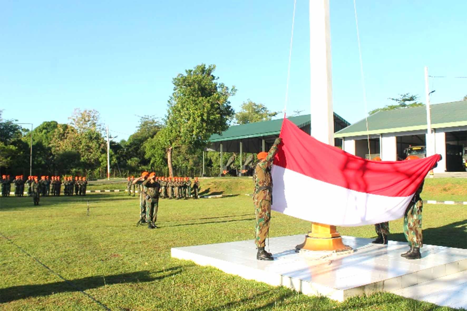 Upacara Bendera Bulanan Wing II Paskhas