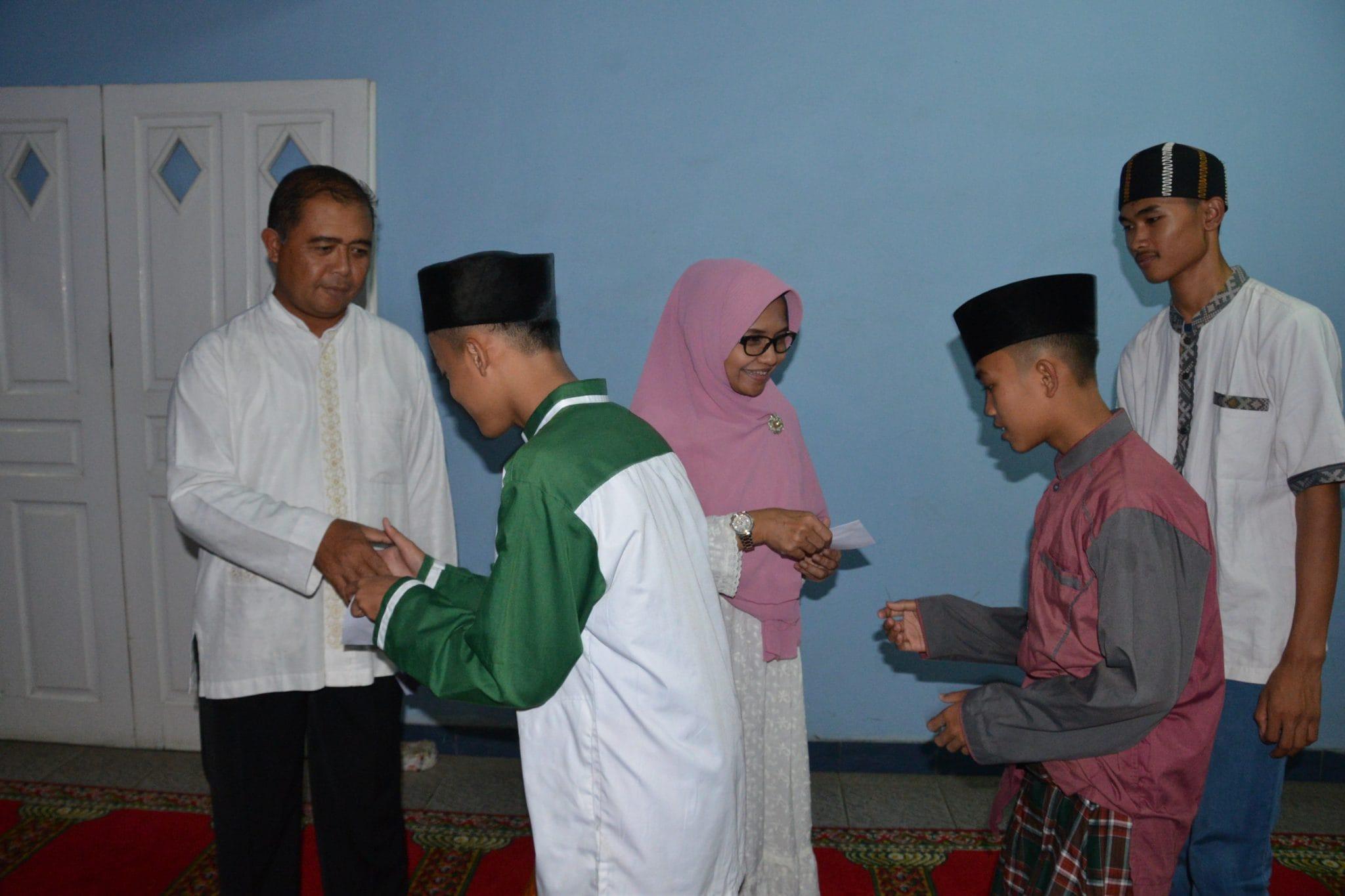 Doa Bersama Anak Yatim Di Lanud Sulaiman