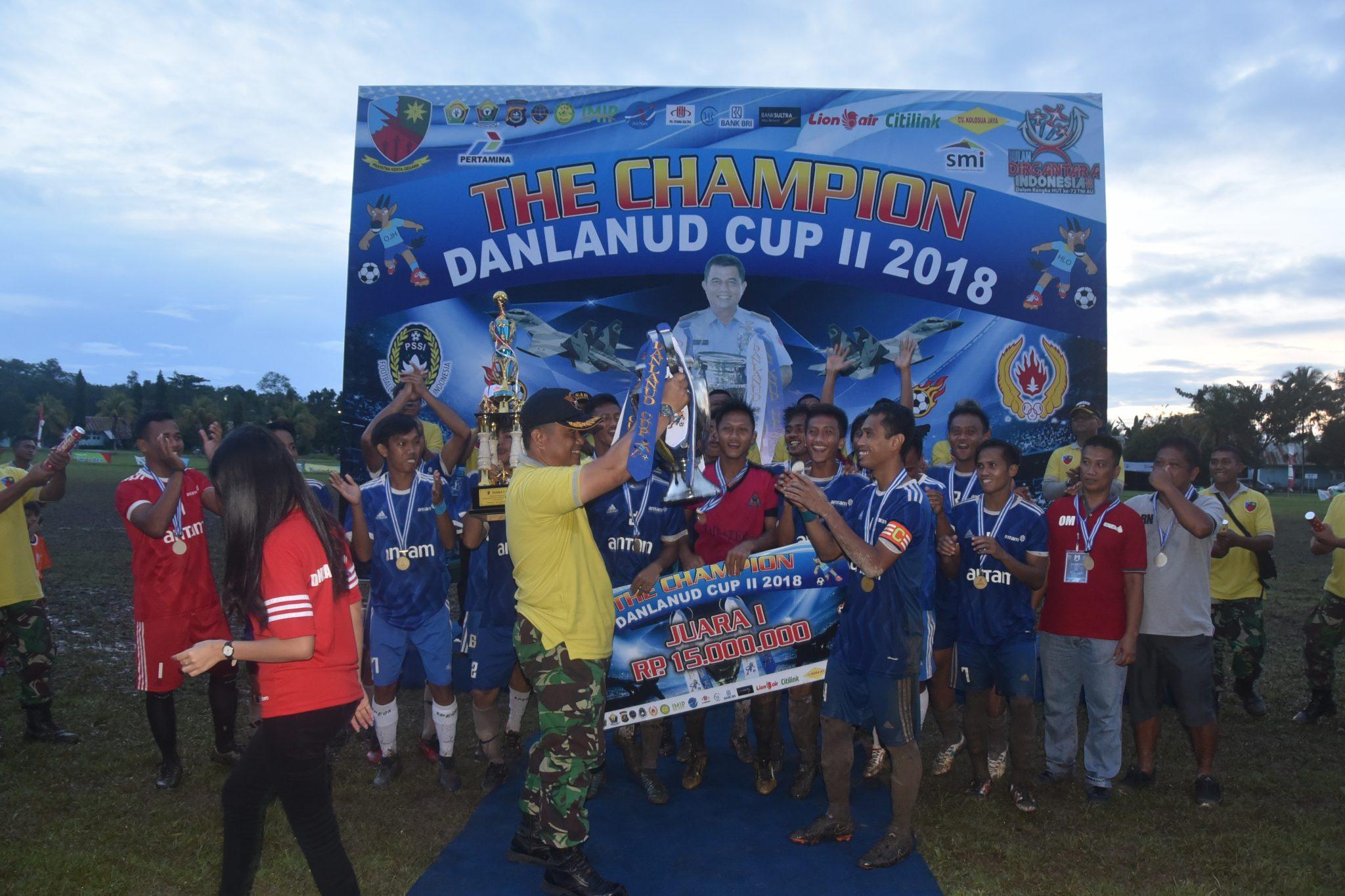 Antam FC Juara Turnament Danlanud Cup Haluoleo II