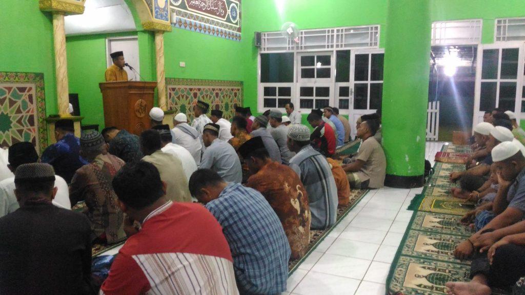 Shalat Taraweh Hari Pertama Di Bulan Suci Ramadhan