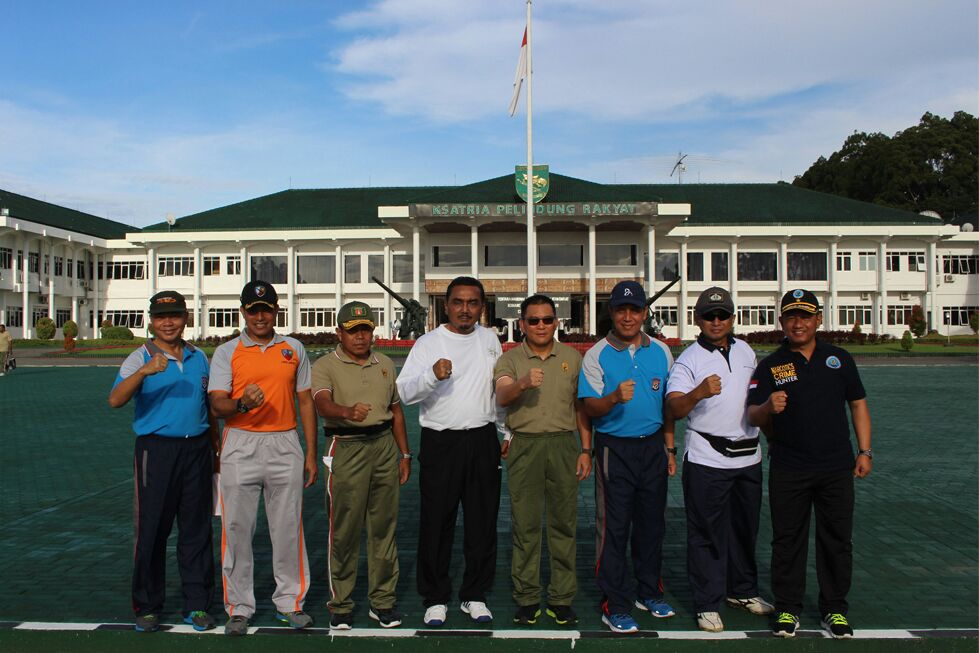 Olahraga Bersama TNI-Polri di Jayapura