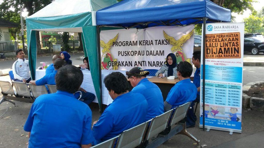 Jaga Keselamatan Bekerja, Sopir Taksi Puskopau Halim Perdanakusuma Ikuti Pemeriksaan Kesehatan