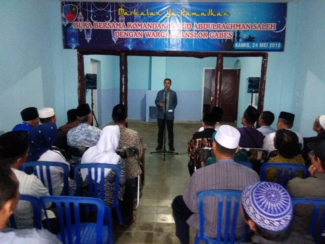 Jalin Silaturahmi, Danlanud Abd Saleh Buka Puasa Bersama Dengan Warga Translog Gabes