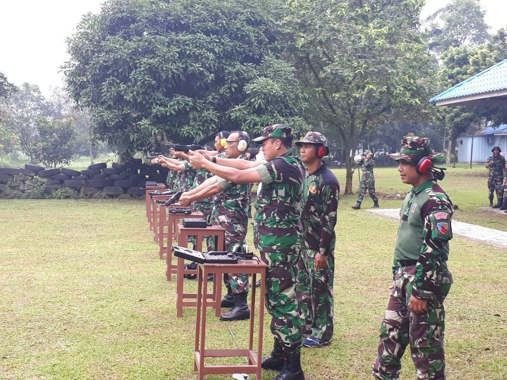 Asah Kemampuan, Personel Lanud Soewondo Latihan Menembak