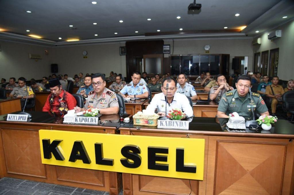 Komandan Lanud Sjamsudin Noor Ikuti Rakor Operasi Lintas Sektoral Dalam Rangka Kesiapan Pengamanan Idul Fitri 1439 H/2018 M