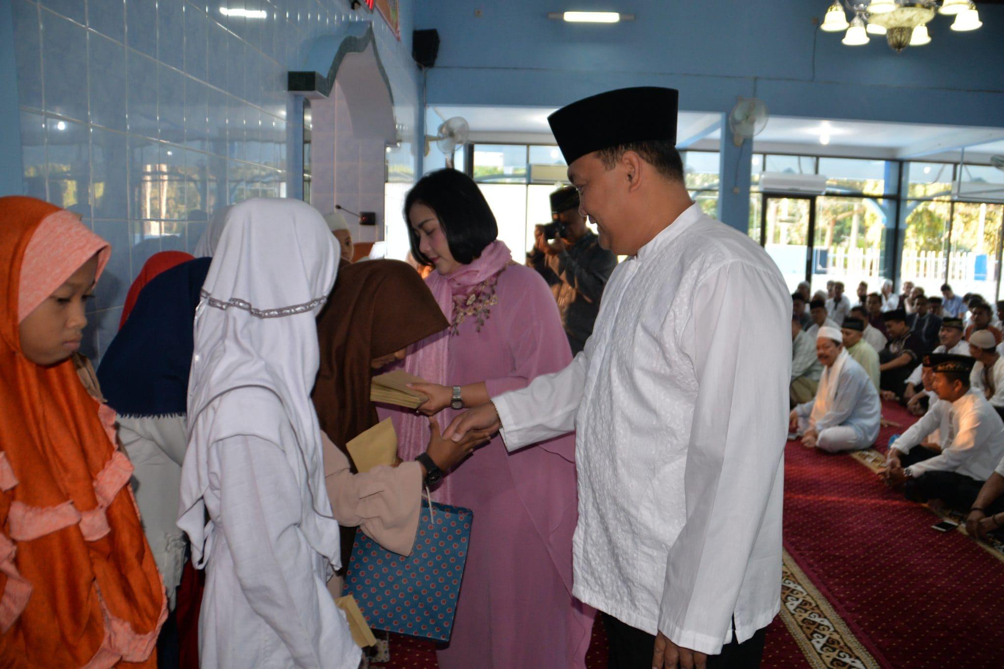 Warga Pusdiklathanudnas Surabaya Buka Puasa Bersama Dengan Anak Yatim
