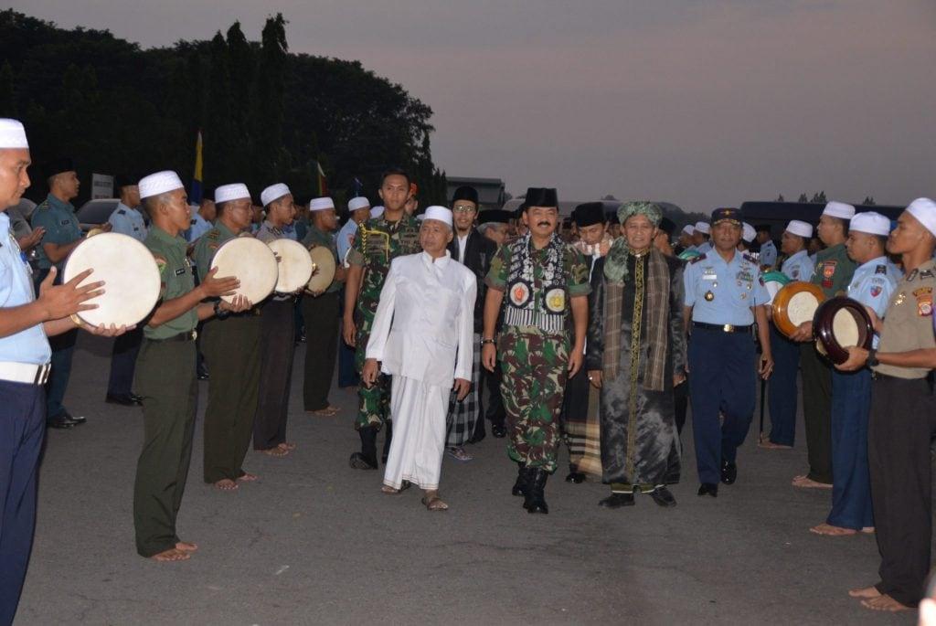 Safari Ramadhan Panglima TNI Bersama Prajurit TNI Polri Di Lanud Adisutjipto Yogyakarta.