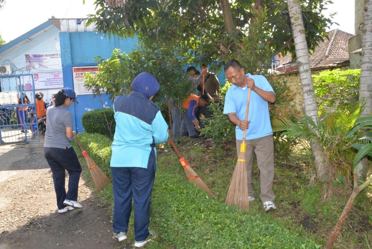 Danlanud Husein Sastranegara: Mari Ciptakan Lingkungan Sekolah Angkasa Yang Bersih Juga Sehat
