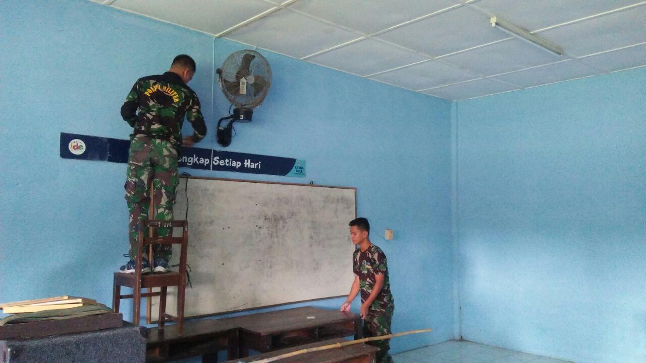 Personel Lanud Soewondo Bersihkan Dan Rapikan Sekolah Angkasa