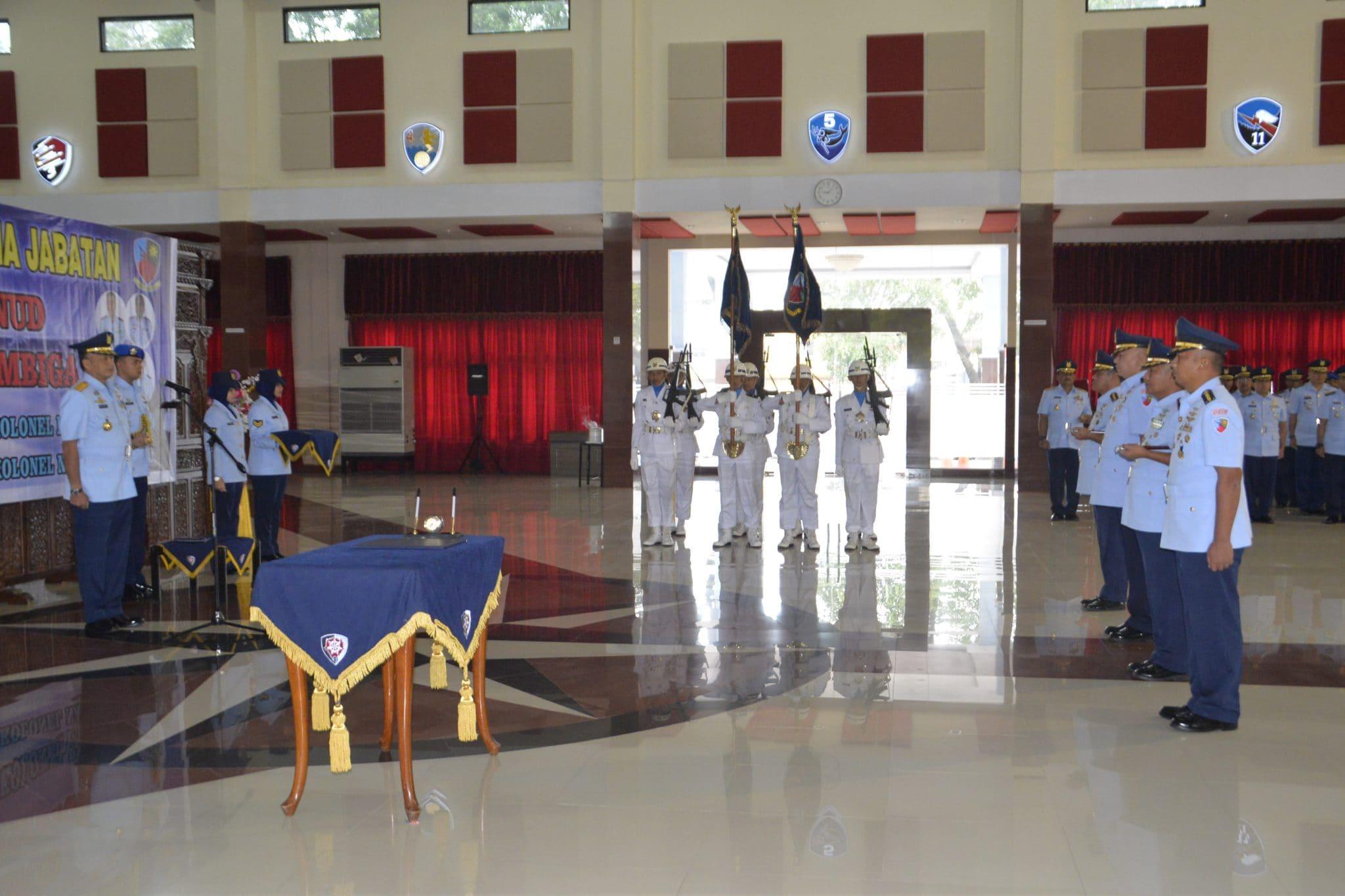 Pangkoopsau II Lantik Dua Komandan lanud