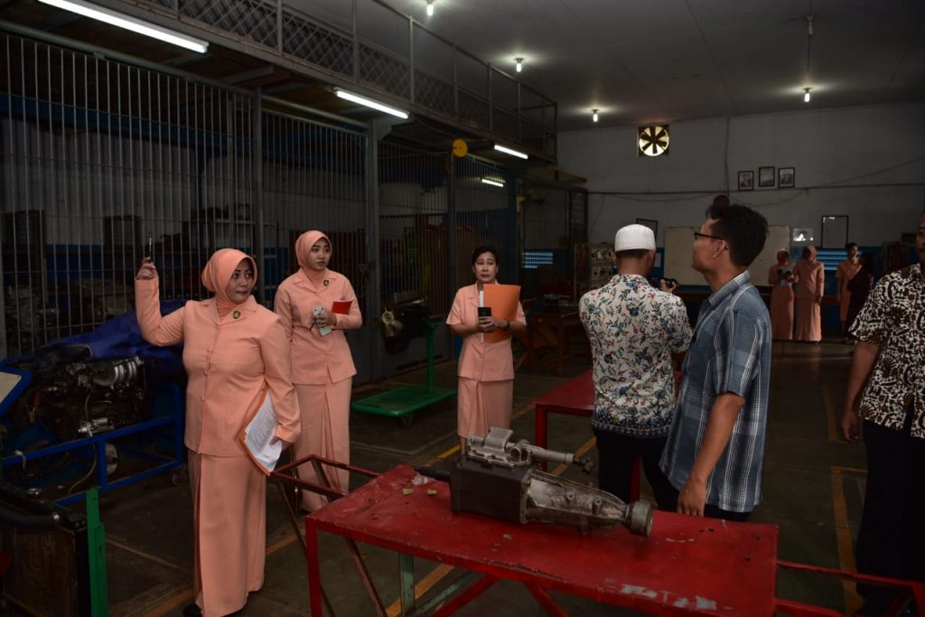 Ketua Yasarini Koopsau I Lakukan Visitasi Ke Sekolah Angkasa Lingkungan Lanud Halim