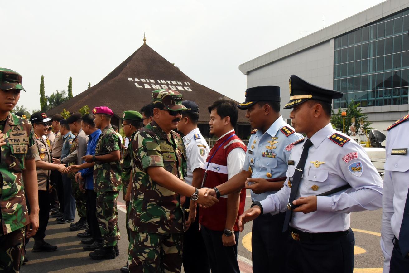 Komandan Lanud BNY Sambut Panglima TNI-Kapolri