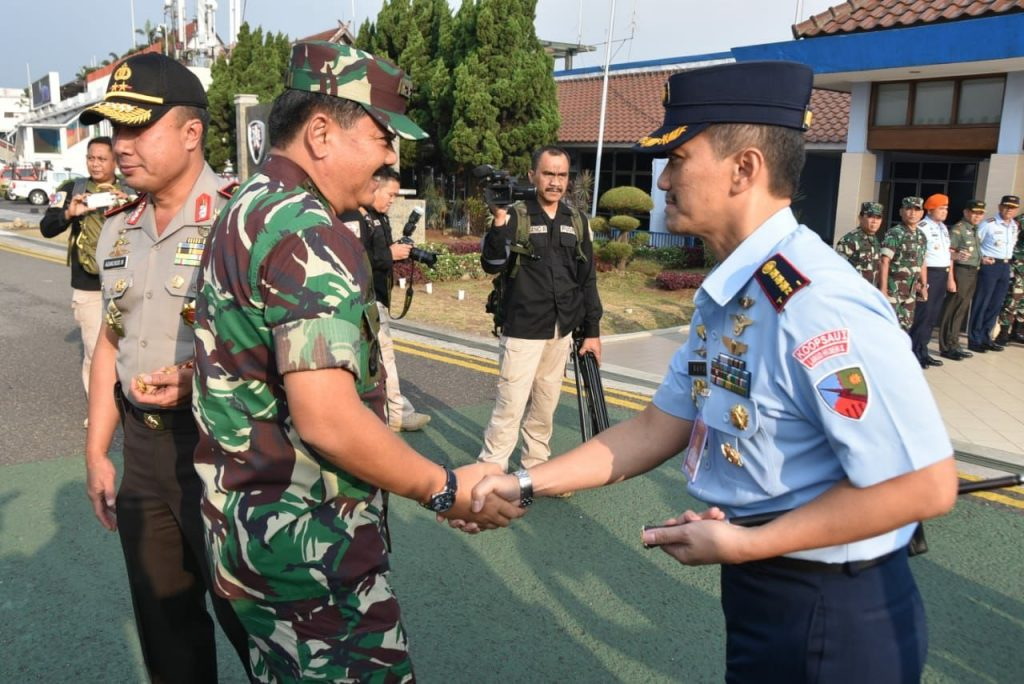 Danlanud Husein Sastranegara Sambut Panglima TNI