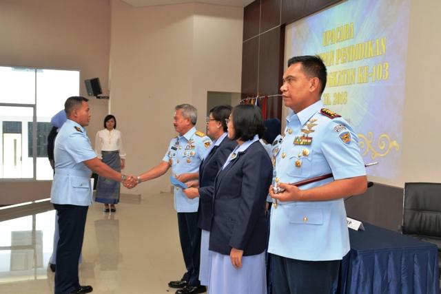 Sekkau 103 Ditutup, Kapten Pnb Arif Khoiruddin Siswa Terbaik