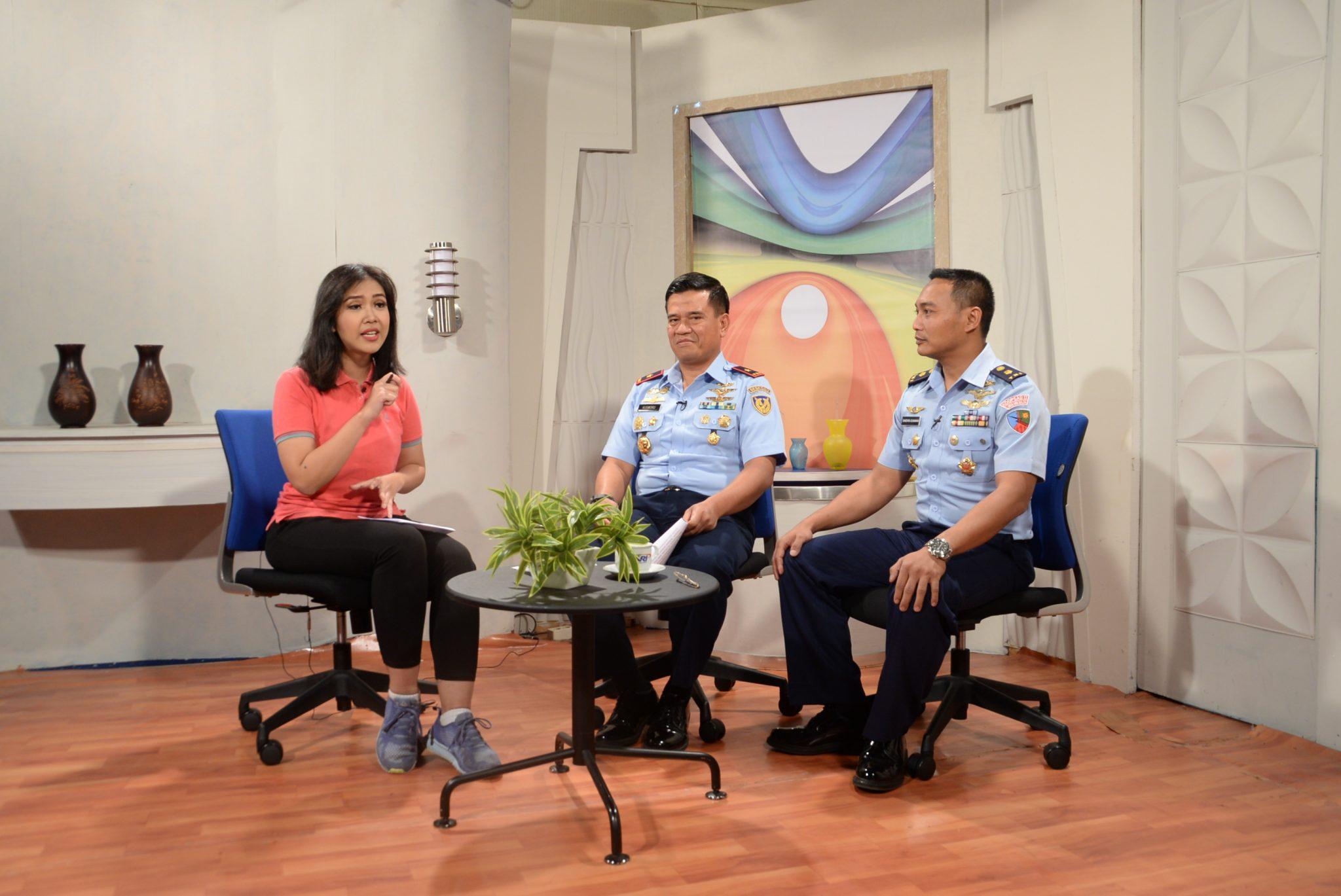 Dalam rangka Seskoau Run A-55, Wadan Seskoau dan Ketua Senat Siaran Live di TVRI Jawa Barat