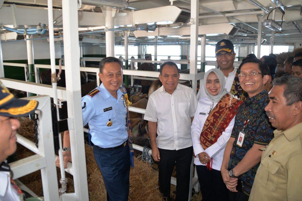 Peresmian Kapal Ternak Di Dermaga Kupang