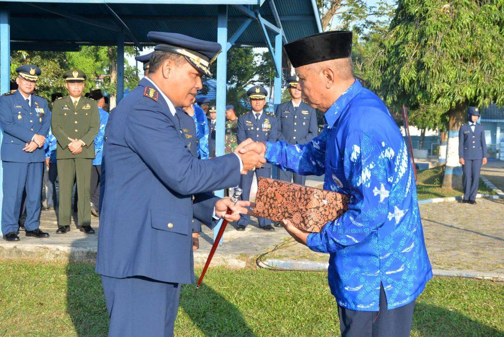 Upacara Peringatan Hari Bhakti TNI AU ke-71 Tahun 2018 di Lanud Sjamsudin Noor