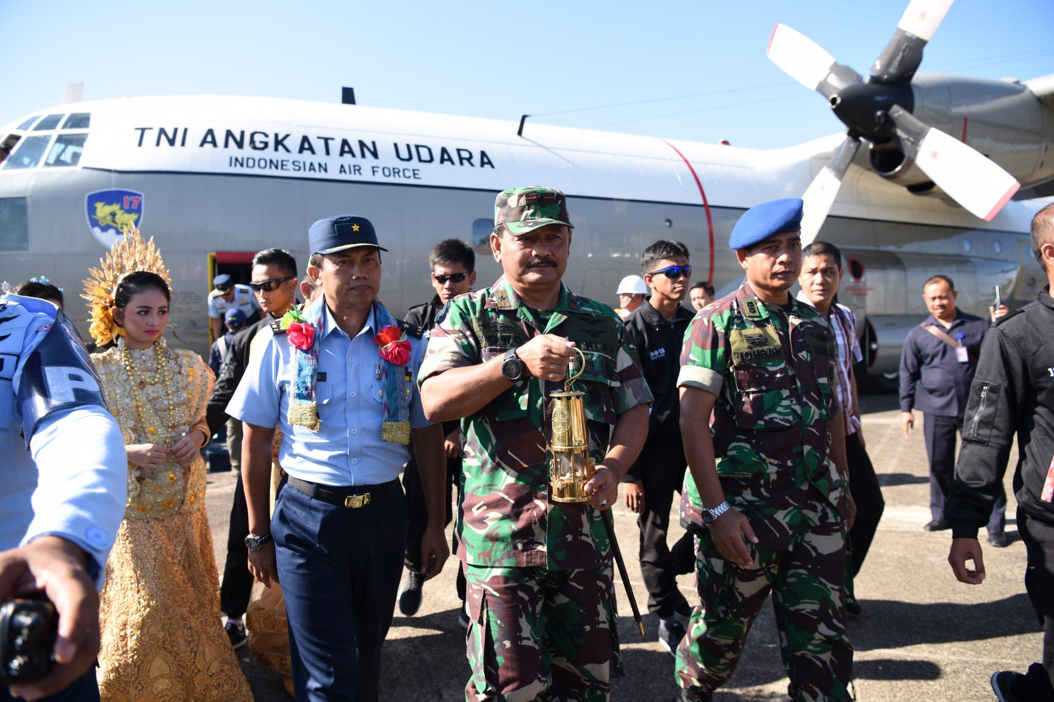 Api Obor Asian Games Tiba Di Lanud Sultan Hasanuddin