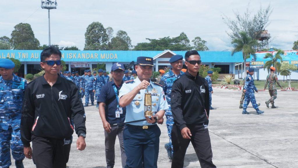 Api Asian Games Lanjutkan Perjalanan dengan Hercules TNI AU ke Medan