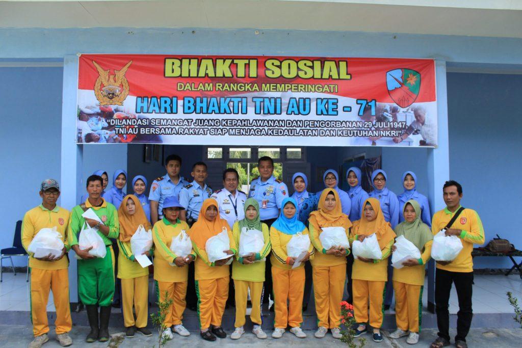 Bhakti Sosial Peringati Hari Bhakti TNI AU Ke 71 Di Lanud Iskandar