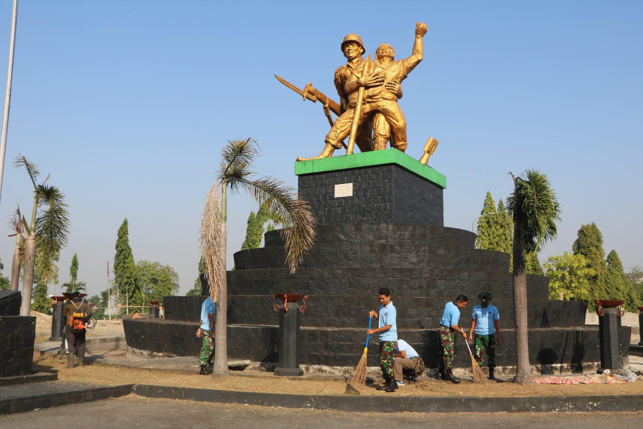 Karya Bakti Bersama di Taman Makam Pahlawan (TMP)