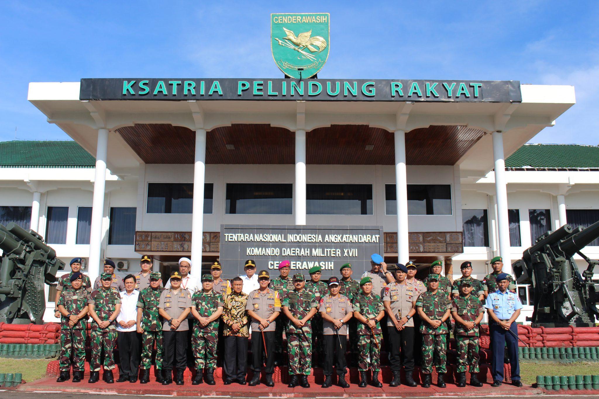 Kunjungan Panglima TNI dan Kapolri ke Jayapura