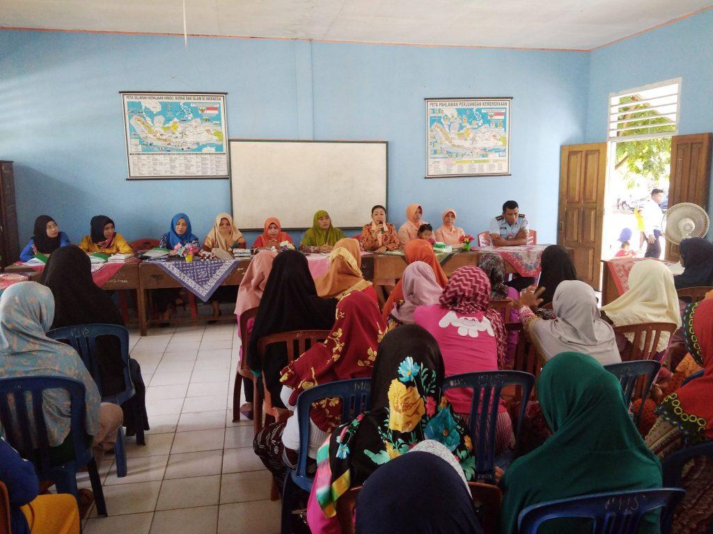 MI Angkasa Lanud Leo Wattimena Laksanakan Pembagian Raport Kenaikan Kelas Tahun Pelajaran 2017/2018
