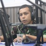 Danlanud RHF Beserta Ketua PIA AG Cabang 13/D1 dan Kadislog Lanud RHF Dialog Interaktif di RRI Tanjungpinang