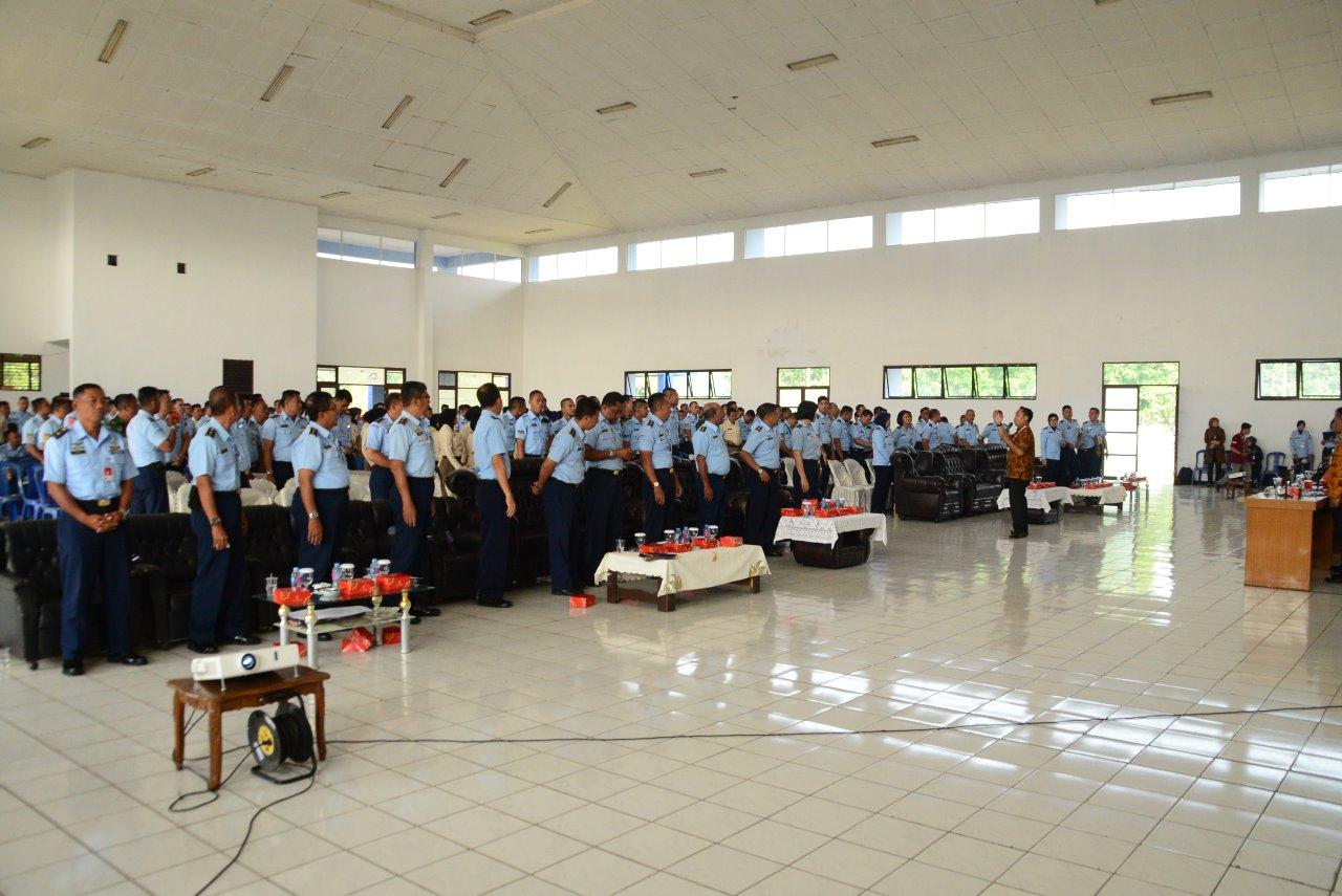 Personel Lanud Atang Sendjaja Terima Sosialisasi Dari Asabri Dan Bank BTPN