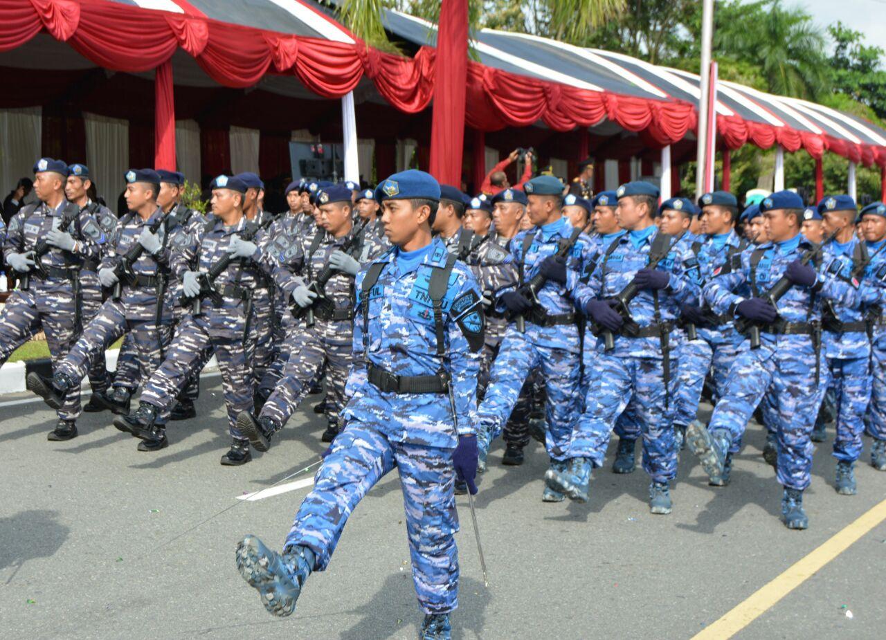 Personel Lanud Dhomber Balikpapan Ikut Meriahkan Upacara HUT Bhayangkara Ke-72