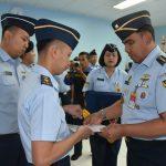 Mayor Adm Hendra Kurniawan, SE Raih Predikat Siswa Terbaik