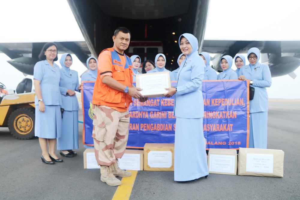 Lanud Abdulrachman Saleh Kirim 13,5 Ton Bantuan Untuk Lombok