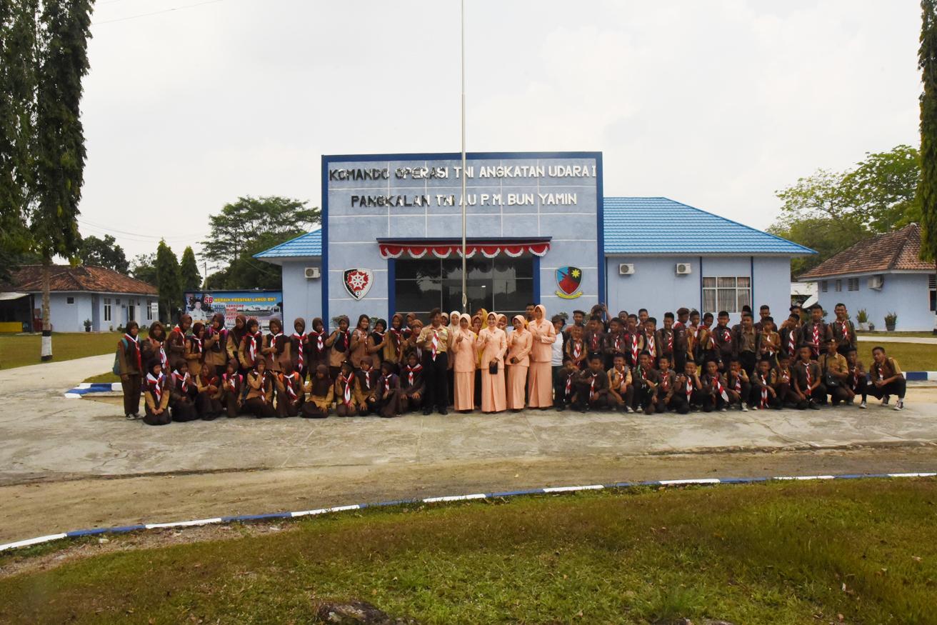SMP Angkasa Lanud Pangeran M. Bun Yamin Memperingati Hari Pramuka yang ke-57.