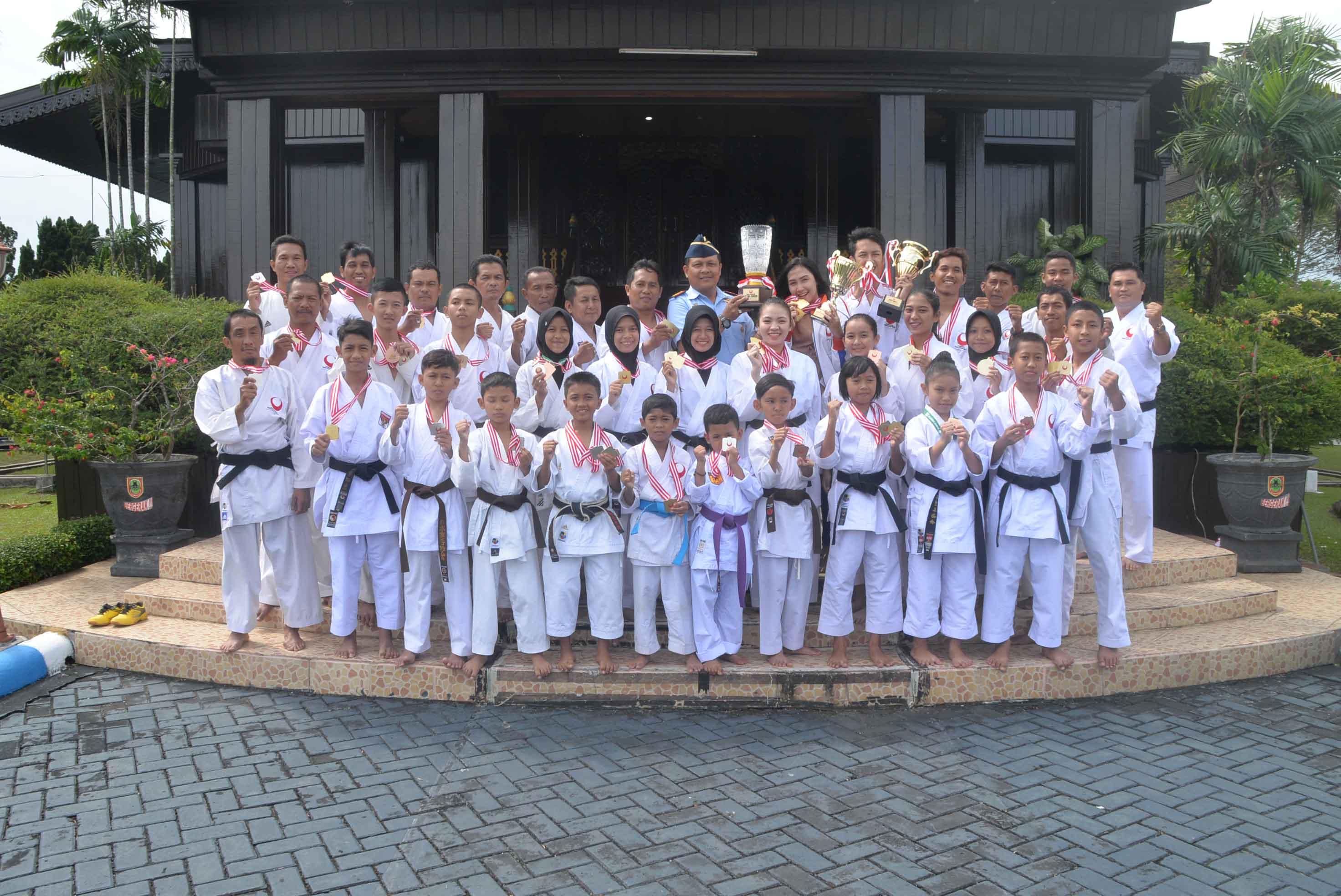 Karatedo Amura Banjarbaru Kunjungi Lanud Sjamsudin Noor