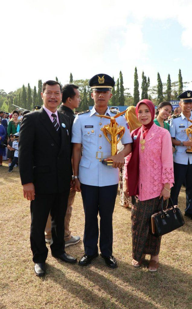 Lebih dekat dengan lulusan terbaik Sekbang TNI AU A-93, Letda Pnb Avinash Harits & Letda Pnb Andi Muhammad Firdaus Raih The Best Trophy