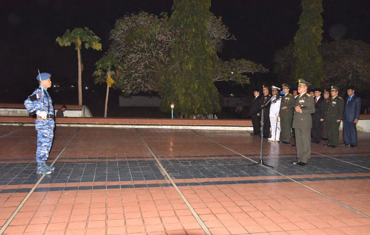 Jajaran Lanud Supadio Hadiri Malam AKRS di Makam Taman Pahlawan (TMP) Dharma Patria Jaya Kubu Raya