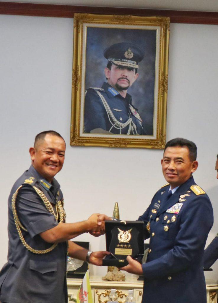 Tingkatkan Kerja Sama Bilateral, Kasau Introductory Visit ke Brunei Darussalam
