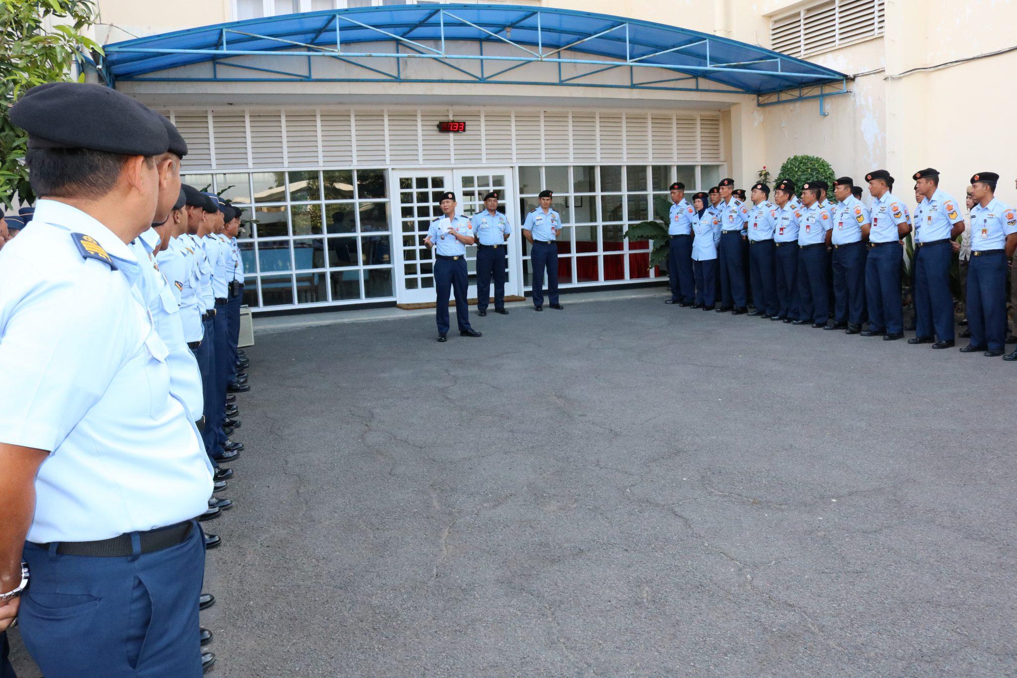 Ceramah Hukum Di Pusdiklathanudnas Surabaya