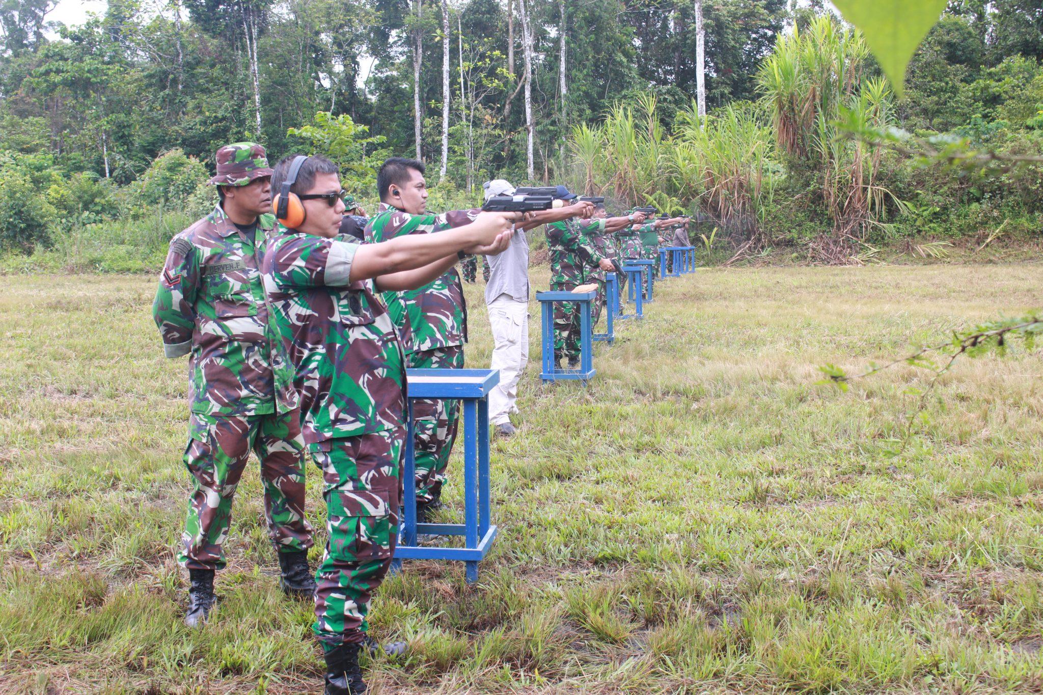 Asah Kemampuan Menembak Anggota Lanud Y. Kapiyau Timika