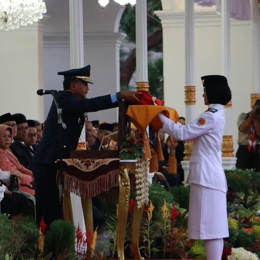 Danlanud Adisutjipto Inspektur Upacara Penurunan Bendera di Gedung Agung Yogyakarta