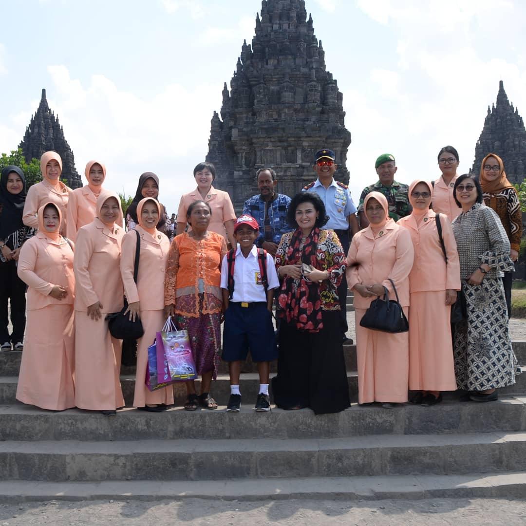 Wujud Apresiasi, Joni si Pemanjat Tiang Bendera Dapatkan Kesempatan Kunjungi Yogyakarta